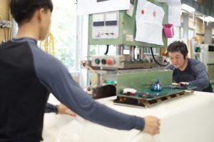 縫製工場作業風景(4)
