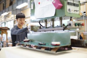 縫製工場作業風景(3)